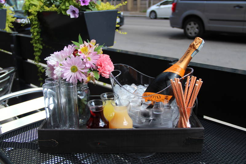 """Brunch Bites: """"Get Your Fix"""" Dinner and DIY Mimosa Buckets"""