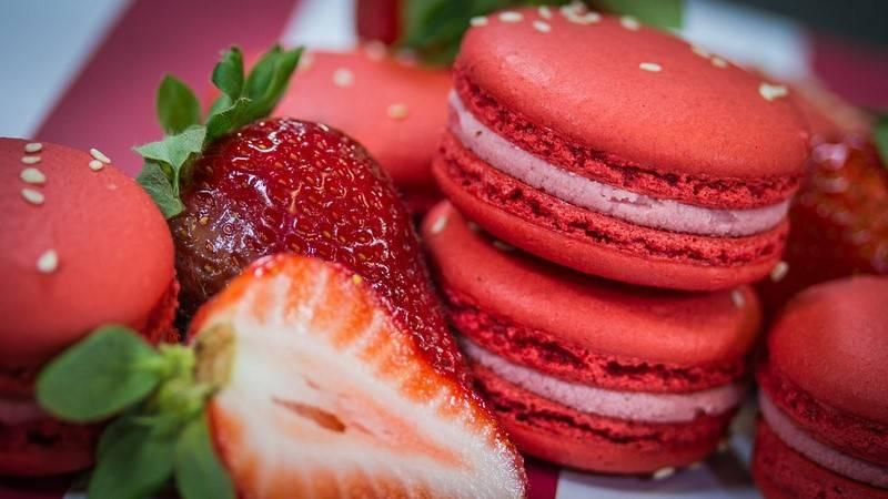 Weekend Planner: Bon Macaron Anniversary, Momotaro Izakaya, Lottie