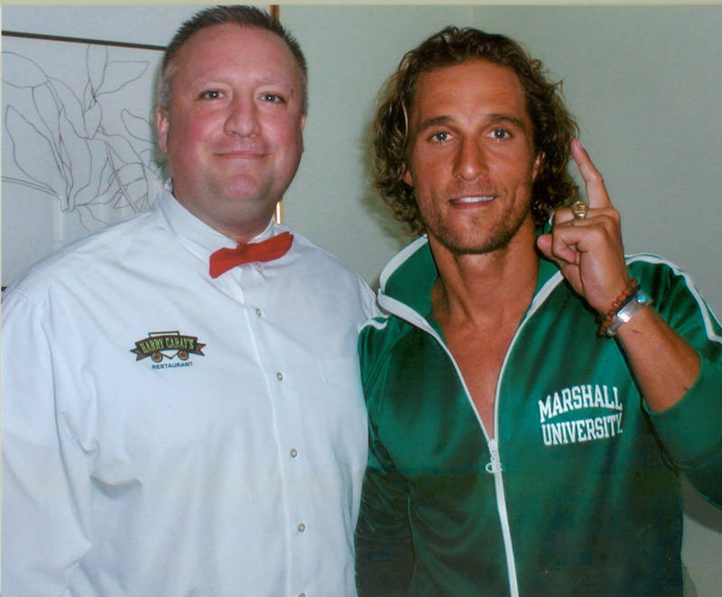 MATTHEW MCCONAUGHEY WITH HARRY CARAY'S HALL OF FAME BARTENDER, FRANKIE O