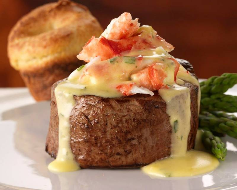 Top Spots for Steakhouse Comfort Foods in Chicago