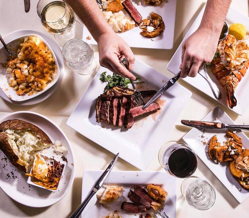 Best Chicago Steakhouses for Holiday Cheer Between Thanksgiving and NYE