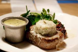 Bavette's Bar & Boeuf best steakhouse in chicago