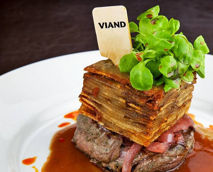 Viand American Bistro at  Courtyard by Marriott