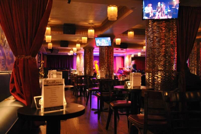 Back Room Restaurant In 937 N Rush St Chicago Il 60611