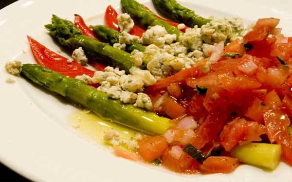 Asparagus, grilled, with tomato-basil relish and Valdeon