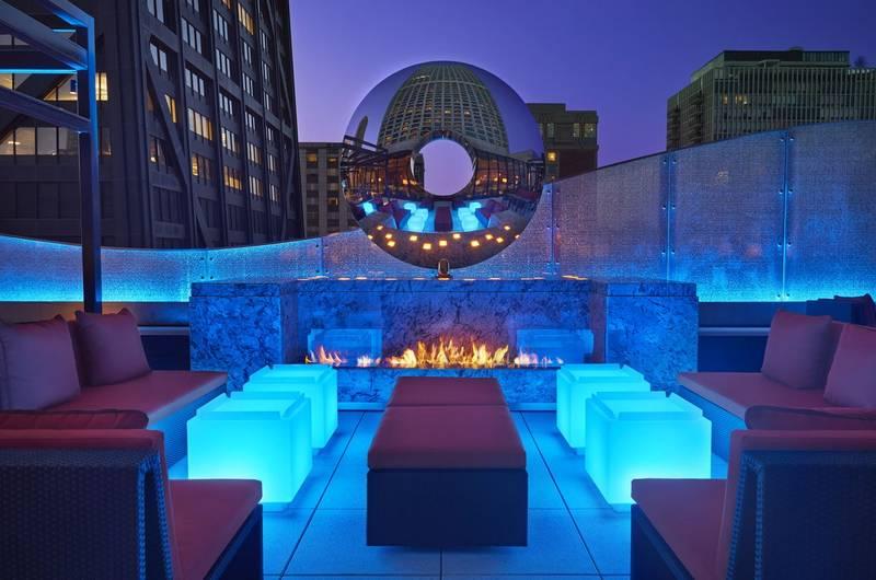 dec Rooftop Lounge + Bar
