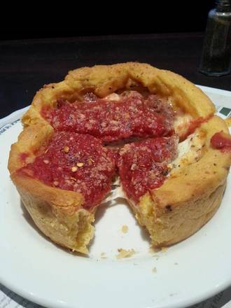 Gino's East - River North Chicago pizza