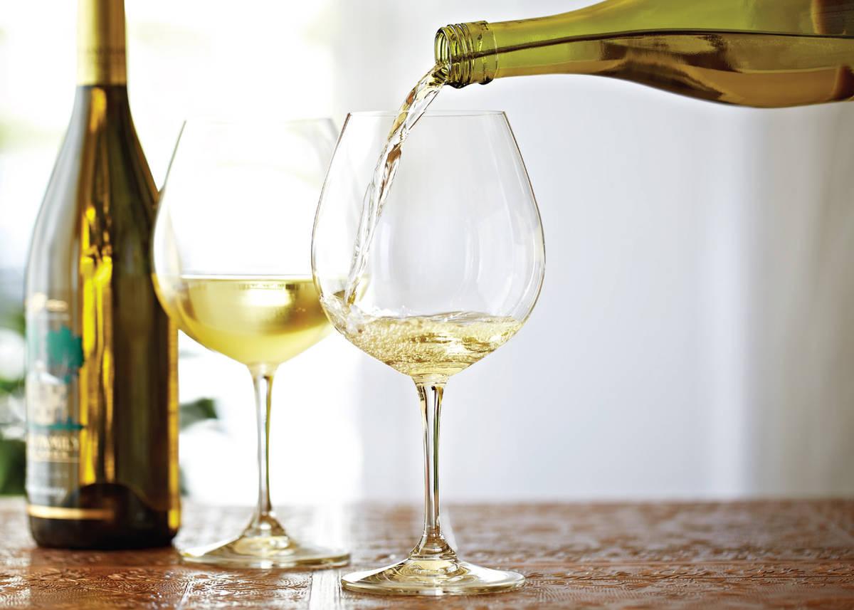 Fleming 39 s prime steakhouse chicago restaurant in chicago for Large white wine glasses