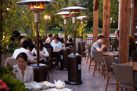 GT Fish & Oyster best chicago rooftop restaurants;