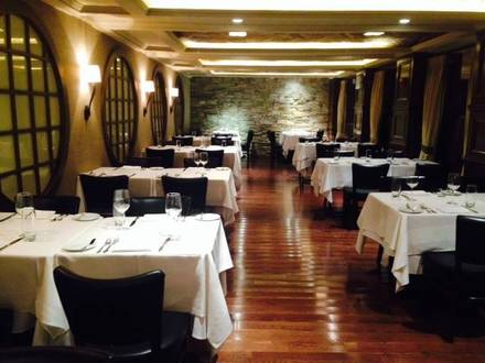 Desmond's Steakhouse best steakhouses in nyc