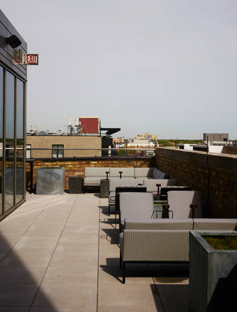 Cabana Club best chicago rooftop restaurants;
