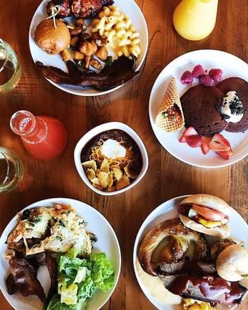 Budweiser Brickhouse Tavern  best italian restaurant in chicago