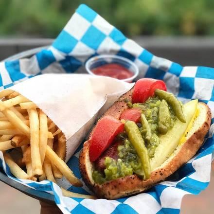 Budweiser Brickhouse Tavern  best fried chicken in chicago