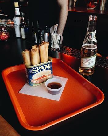 Ludlow Liquors best greek in chicago;
