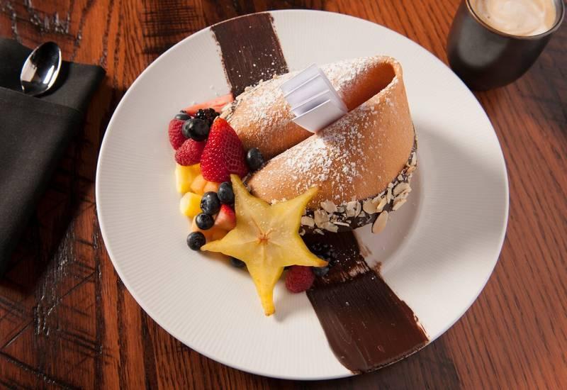 Restaurants near 650 N Dearborn St, Chicago, IL 60614
