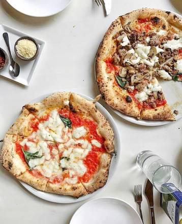 Forno Rosso Pizzeria Napoletana pizzeria;