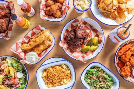 Parson's Chicken & Fish Lincoln Park best chicago rooftop restaurants;