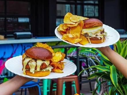 Utopian Tailgate best fried chicken in chicago;