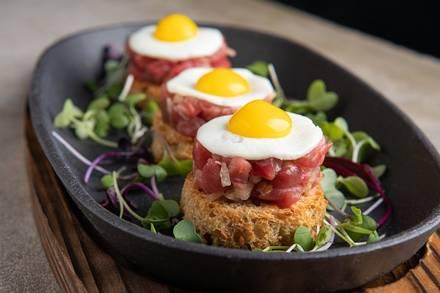 Hubbard Inn best german restaurants in chicago;