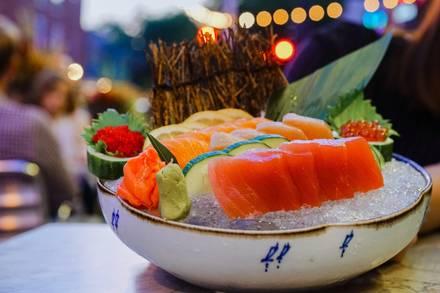 Rise Sushi & Sake Lounge best restaurants in downtown chicago;