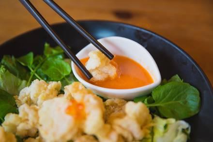 Rise Sushi & Sake Lounge best greek in chicago;