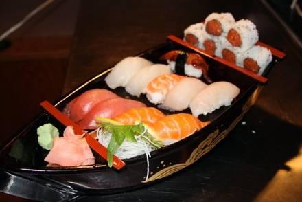 Tiparos Thai Cuisine & Sushi Bar best ramen in chicago;