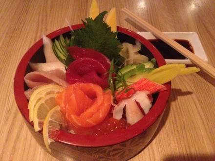Tiparos Thai Cuisine & Sushi Bar best italian restaurant in chicago;