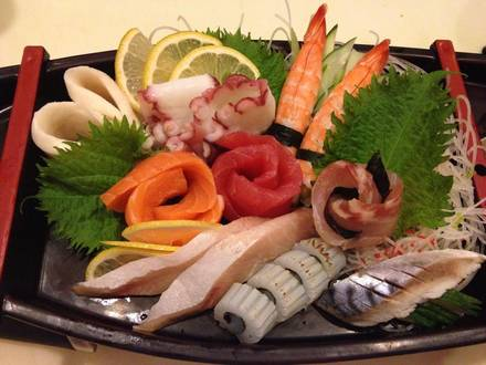 Tiparos Thai Cuisine & Sushi Bar best greek in chicago;