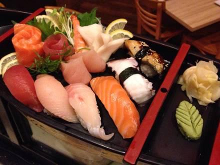 Tiparos Thai Cuisine & Sushi Bar best french bistro chicago;