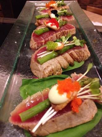 Tiparos Thai Cuisine & Sushi Bar best chicago rooftop restaurants;