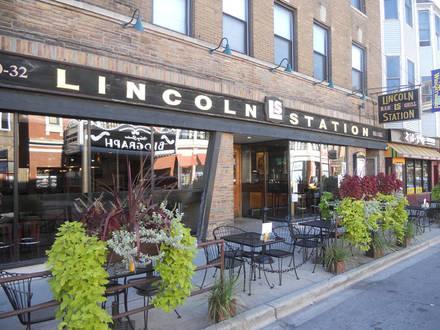 Lincoln Station best chicago rooftop restaurants;
