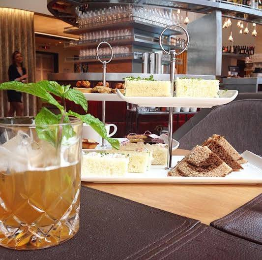 Weekend Planner: Upside-down Tea, Gingerbread Decorating Class, Holiday Happenings at theWit Hotel