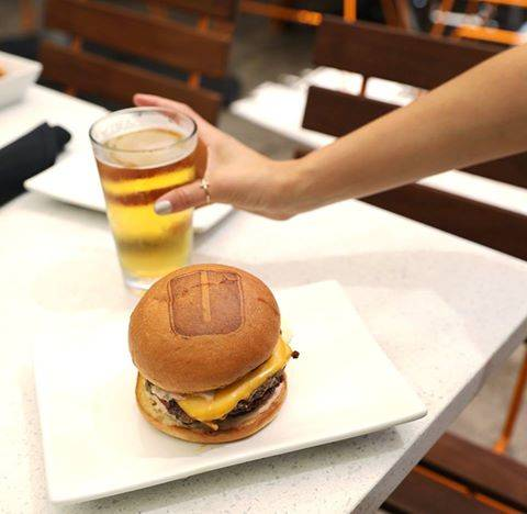 What to Eat During Football Season in Chicago