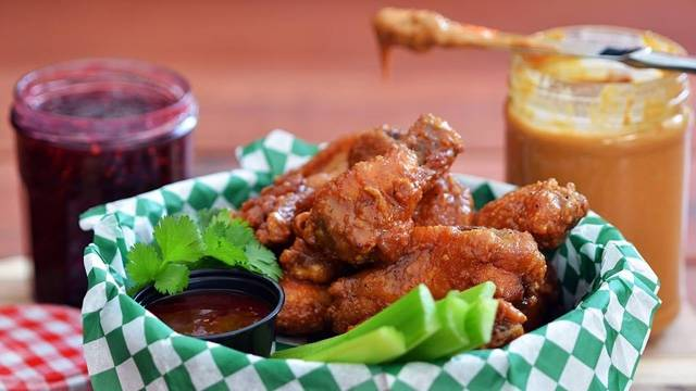 Chicago's Best Chicken Wings