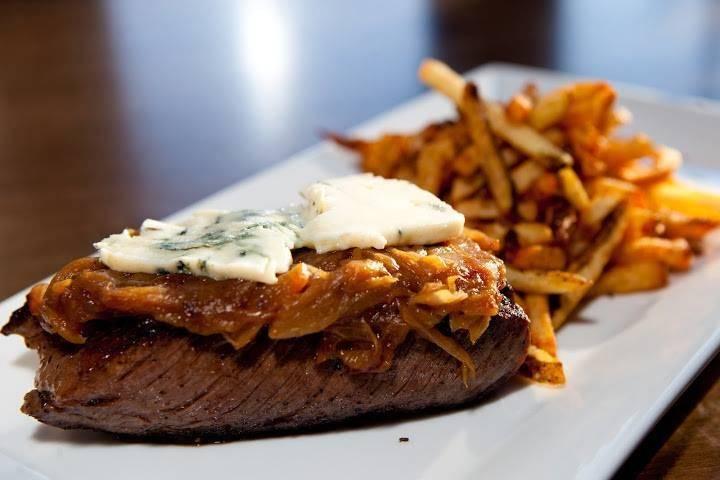 Six MORE Chicago Restaurants Serving Christmas Dinner