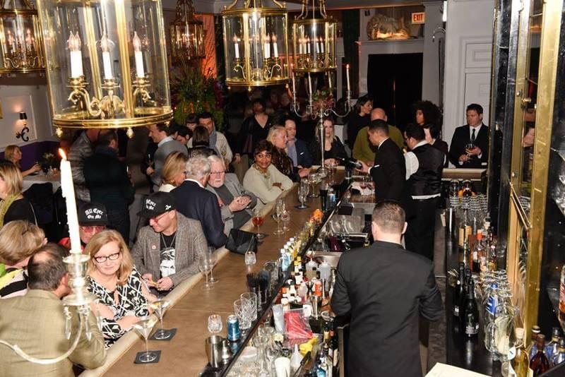 """Best Chicago Restaurants to Break Your """"No Drinking"""" New Year's Resolution"""