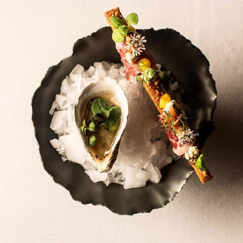 Enjoy Oyster Season at Chicago's Best Restaurants