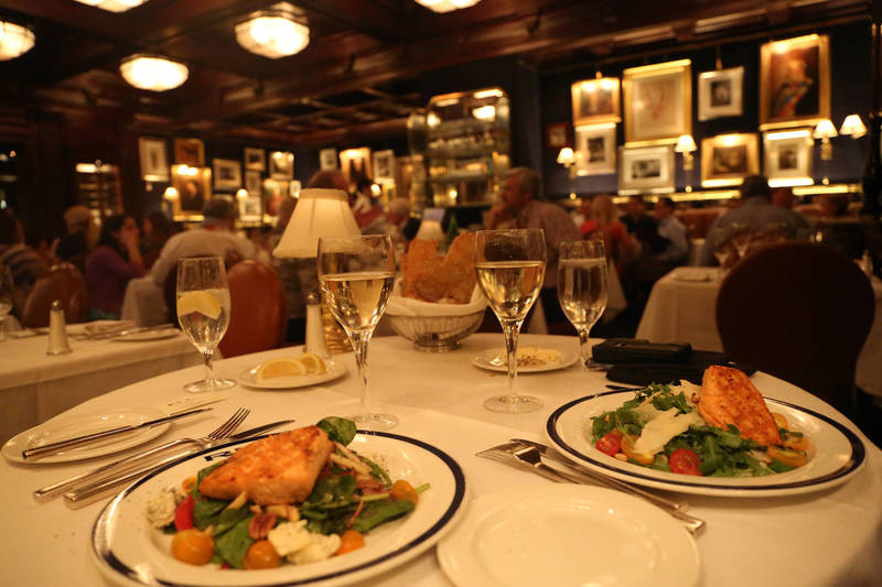Host Your Holiday Dinner at a Chicago Steakhouse